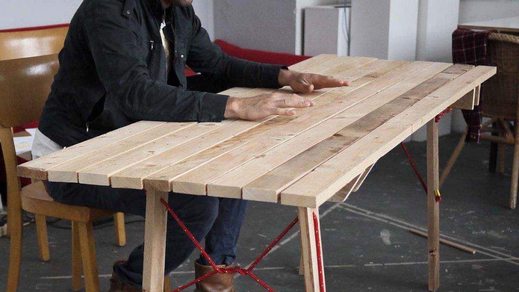 Fertig zusammengebauter Tisch